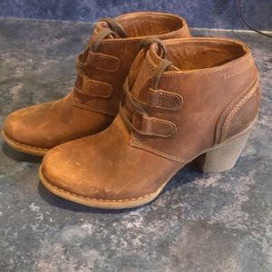 New Clark's leather boots. Size 8
